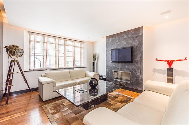 £5,633  per Calendar Month (Calculated), 2 Bedroom Apartment To Rent in London, SW1X