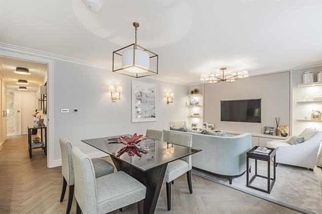 £6,500  per Calendar Month (Calculated), 2 Bedroom Apartment To Rent in Belgravia, SW1X