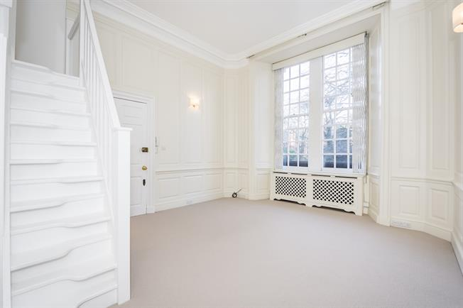£3,683  per Calendar Month (Calculated), 1 Bedroom Flat To Rent in London, SW1X