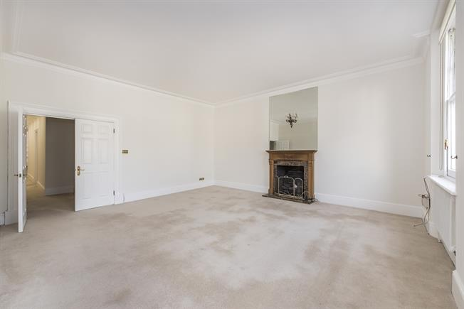 £5,416  per Calendar Month (Calculated), 3 Bedroom Apartment To Rent in London, SW7