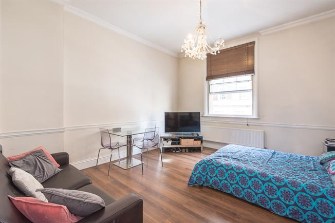 £3,011  per Calendar Month (Calculated), 1 Bedroom Flat To Rent in London, W1K