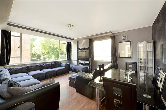 £4,008  per Calendar Month (Calculated), 3 Bedroom Apartment To Rent in London, SW7