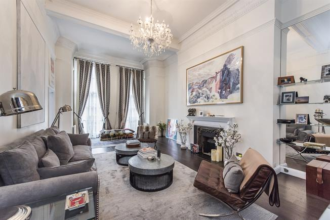 £4,311  per Calendar Month (Calculated), 1 Bedroom Apartment To Rent in London, SW1X