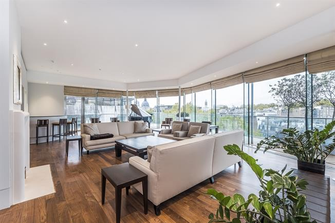 £43,333  per Calendar Month (Calculated), 6 Bedroom Apartment To Rent in London, SW3