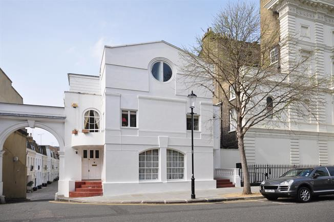 £5,416  per Calendar Month (Calculated), 4 Bedroom Flat To Rent in London, SW7