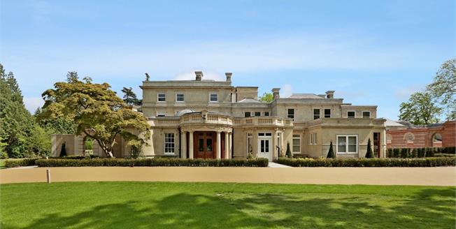 £3,500 per Calendar Month, 2 Bedroom Flat To Rent in Littlewick Green, SL6