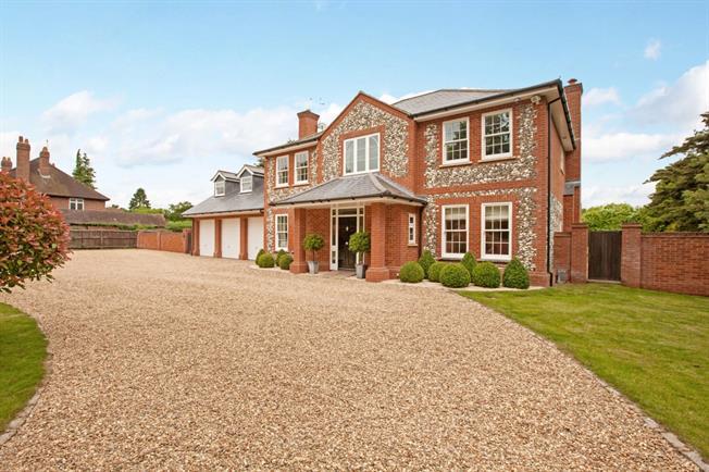 £8,000 per Calendar Month, 5 Bedroom Detached House To Rent in Littlewick Green, SL6