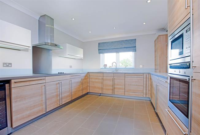 £1,850 per Calendar Month, 2 Bedroom Apartment To Rent in Maidenhead, SL6