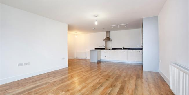 £1,250 per Calendar Month, 2 Bedroom Flat To Rent in Maidenhead, SL6