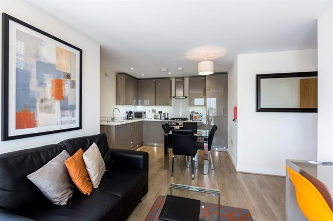 £4,368  per Calendar Month (Calculated), 2 Bedroom Apartment To Rent in Maidenhead, SL6
