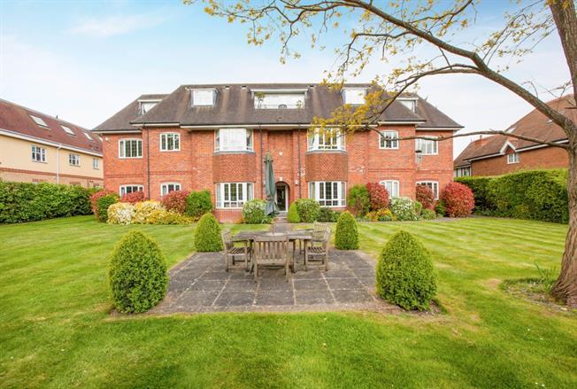 £1,295 per Calendar Month, 2 Bedroom Apartment To Rent in Maidenhead, SL6