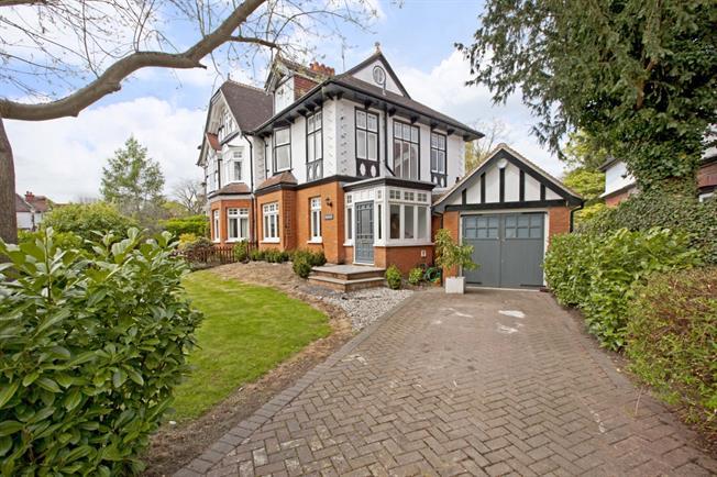 £6,000 per Calendar Month, 4 Bedroom Semi Detached House To Rent in Taplow, SL6