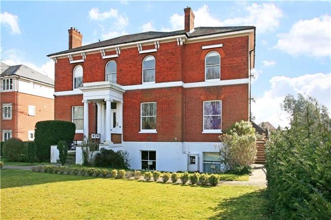 £995 per Calendar Month, 1 Bedroom Flat To Rent in Maidenhead, SL6