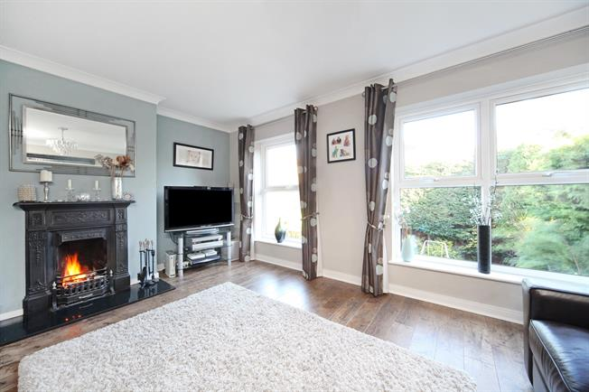 £2,350 per Calendar Month, 4 Bedroom Detached House To Rent in Maidenhead, SL6