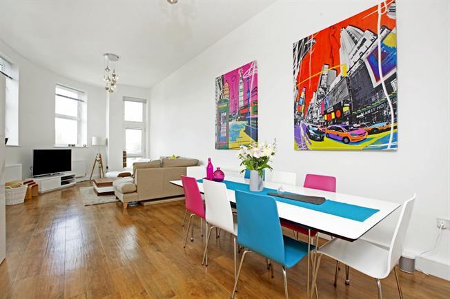 £1,195 per Calendar Month, 2 Bedroom Flat To Rent in Maidenhead, SL6