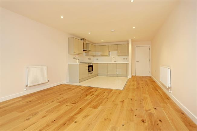£1,175 per Calendar Month, 2 Bedroom Apartment To Rent in Marlborough, SN8