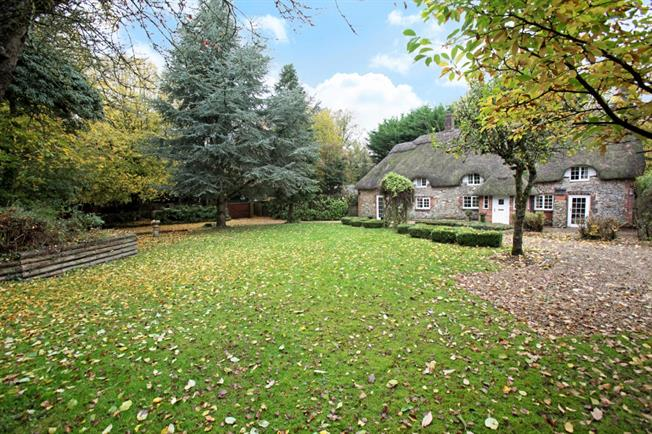 £1,750 per Calendar Month, 4 Bedroom Cottage House To Rent in Marlborough, Wilts, SN8