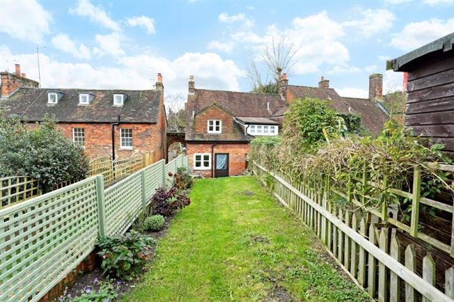 £850 per Calendar Month, 2 Bedroom Terraced House To Rent in Marlborough, SN8