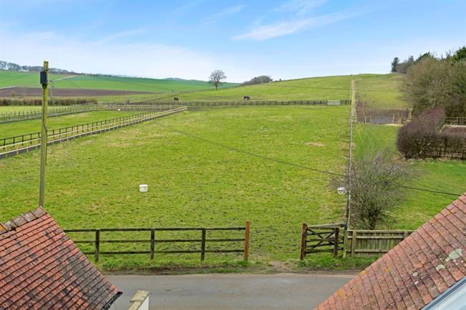 £1,400 per Calendar Month, 4 Bedroom Terraced House To Rent in Marlborough, SN8