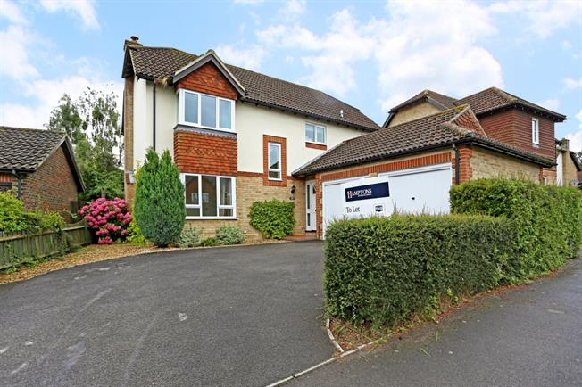 £1,850 per Calendar Month, 4 Bedroom Detached House To Rent in Marlborough, SN8