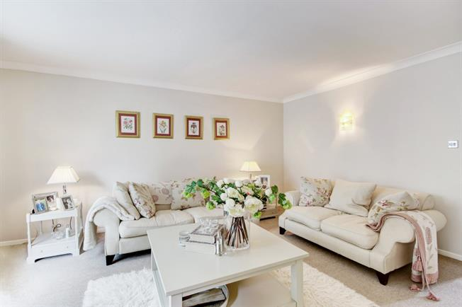 £995 per Calendar Month, 2 Bedroom Semi Detached House To Rent in Marlborough, SN8