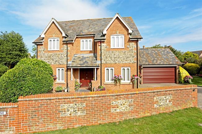 £2,000 per Calendar Month, 4 Bedroom Detached House To Rent in Marlborough, SN8