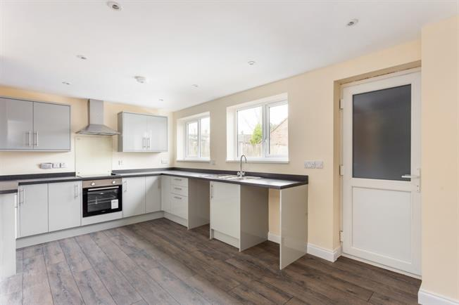 £995 per Calendar Month, 3 Bedroom Semi Detached House To Rent in Pewsey, SN9