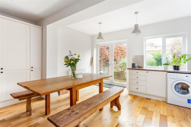 £1,000 per Calendar Month, 3 Bedroom Semi Detached House To Rent in Marlborough, SN8