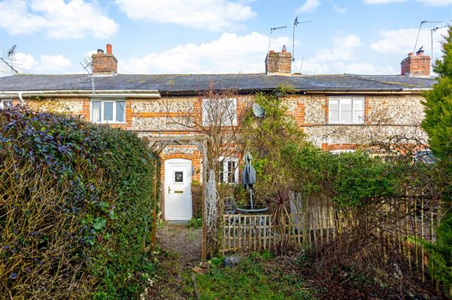 £875 per Calendar Month, 2 Bedroom Cottage House To Rent in Ramsbury, SN8