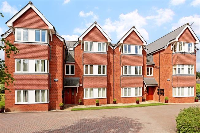 £800 per Calendar Month, 2 Bedroom Apartment To Rent in Marlborough, SN8