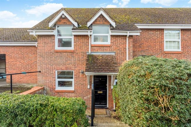 £950 per Calendar Month, 3 Bedroom End of Terrace House To Rent in Marlborough, SN8