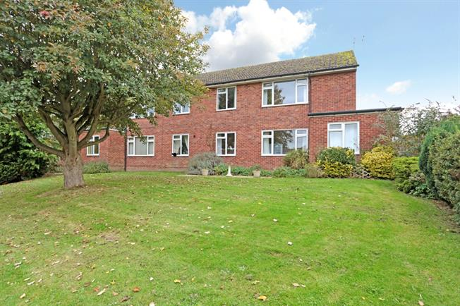 £710 per Calendar Month, 2 Bedroom Apartment To Rent in Pewsey, SN9