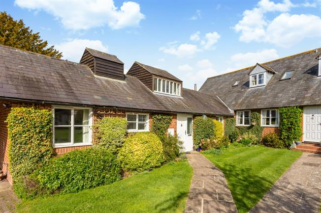 £1,100 per Calendar Month, 3 Bedroom House To Rent in Marlborough, SN8