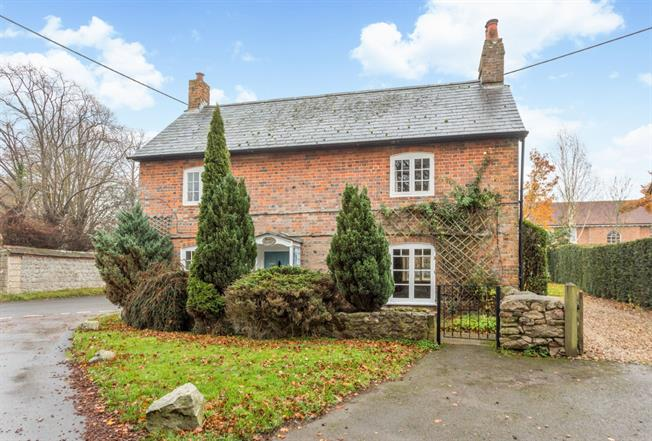 £1,150 per Calendar Month, 3 Bedroom Cottage House To Rent in Marlborough, SN8