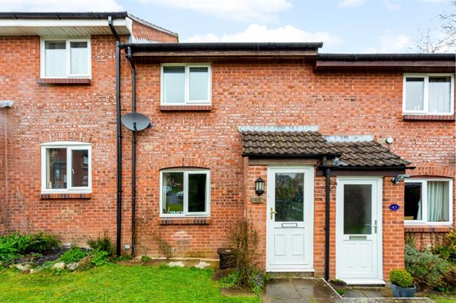 £750 per Calendar Month, 2 Bedroom End of Terrace House To Rent in Marlborough, SN8
