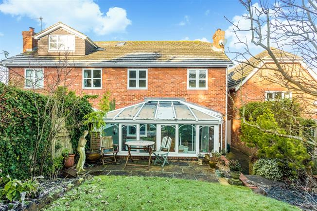 £1,195 per Calendar Month, 3 Bedroom Semi Detached House To Rent in Aldbourne, SN8