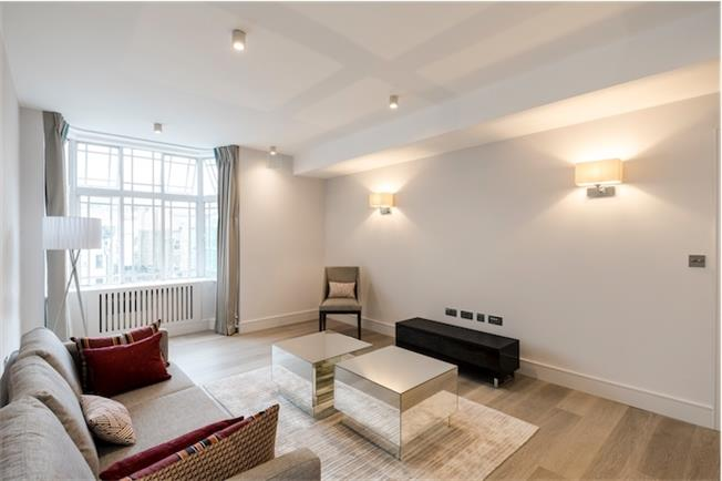 £3,575  per Calendar Month (Calculated), 3 Bedroom Flat To Rent in London, W2