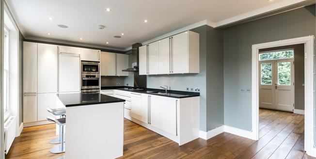 £4,766  per Calendar Month (Calculated), 3 Bedroom Flat To Rent in London, W10