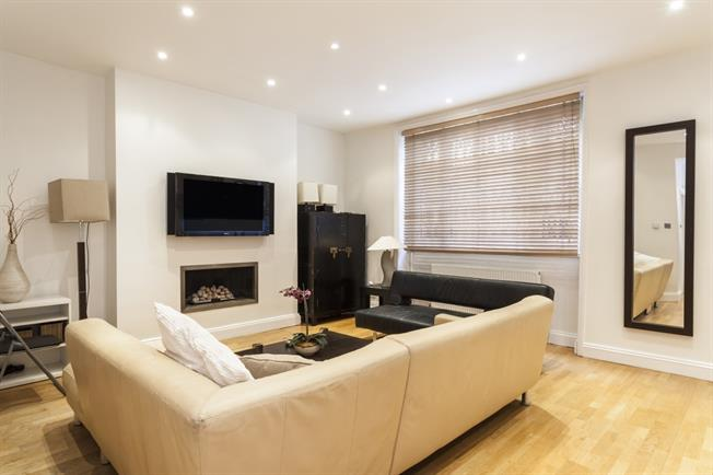 £6,933  per Calendar Month (Calculated), 3 Bedroom Apartment To Rent in London, W2
