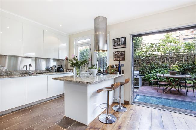 £17,333  per Calendar Month (Calculated), 5 Bedroom Mews House To Rent in London, W2