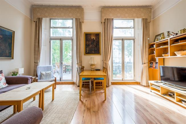 £2,816  per Calendar Month (Calculated), 1 Bedroom Flat To Rent in London, W2