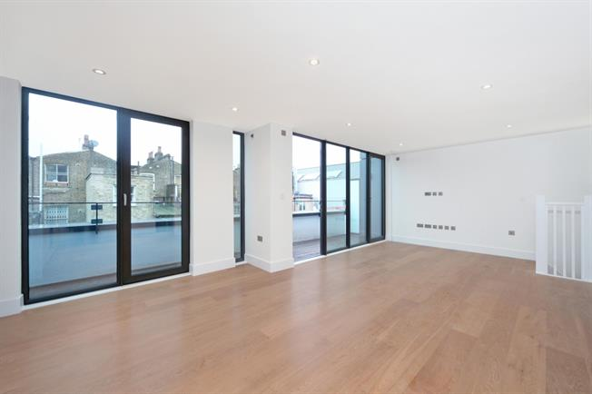£3,683  per Calendar Month (Calculated), 3 Bedroom Mews House To Rent in London, W10