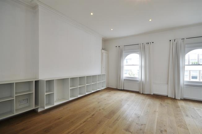£2,578  per Calendar Month (Calculated), 2 Bedroom Apartment To Rent in London, W2