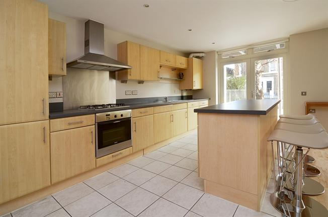 £2,578  per Calendar Month (Calculated), 2 Bedroom Apartment To Rent in London, W11