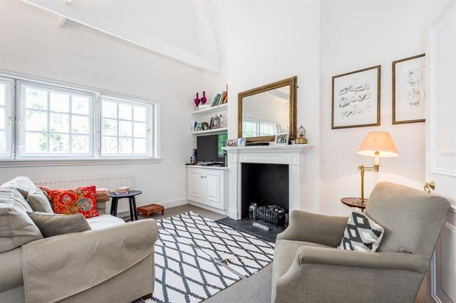 £2,708  per Calendar Month (Calculated), 2 Bedroom Apartment To Rent in London, W11