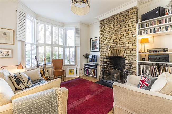 £1,950  per Calendar Month (Calculated), 1 Bedroom Flat To Rent in London, NW10