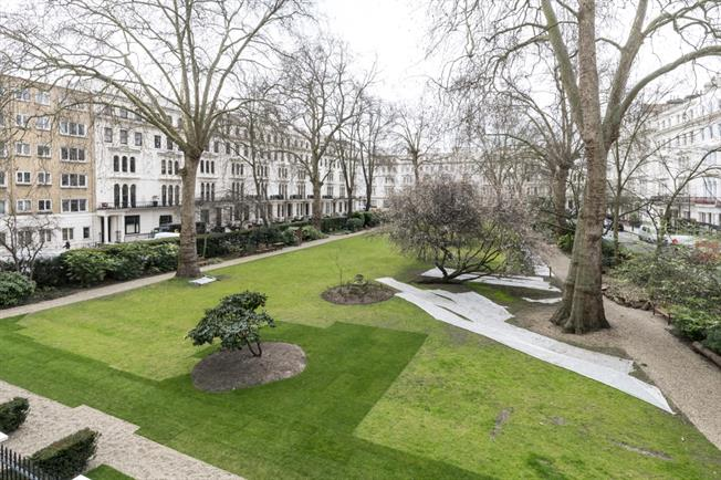 £3,250  per Calendar Month (Calculated), 1 Bedroom Apartment To Rent in London, W2