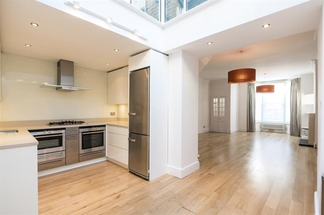 £4,766  per Calendar Month (Calculated), 3 Bedroom Terraced House To Rent in London, W11