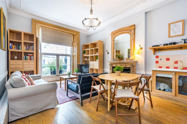 £2,708  per Calendar Month (Calculated), 2 Bedroom Flat To Rent in London, W2
