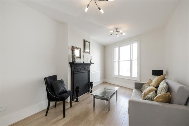 £1,863  per Calendar Month (Calculated), 1 Bedroom Apartment To Rent in London, W11